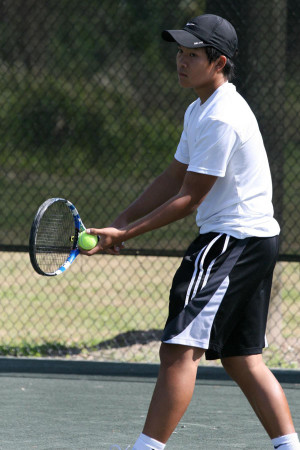 Tennis Profile: Phillip Nguyen is Buddha with a racquet