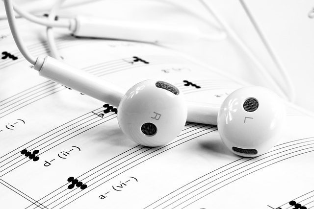 Mobile Headset Phone White Music Note