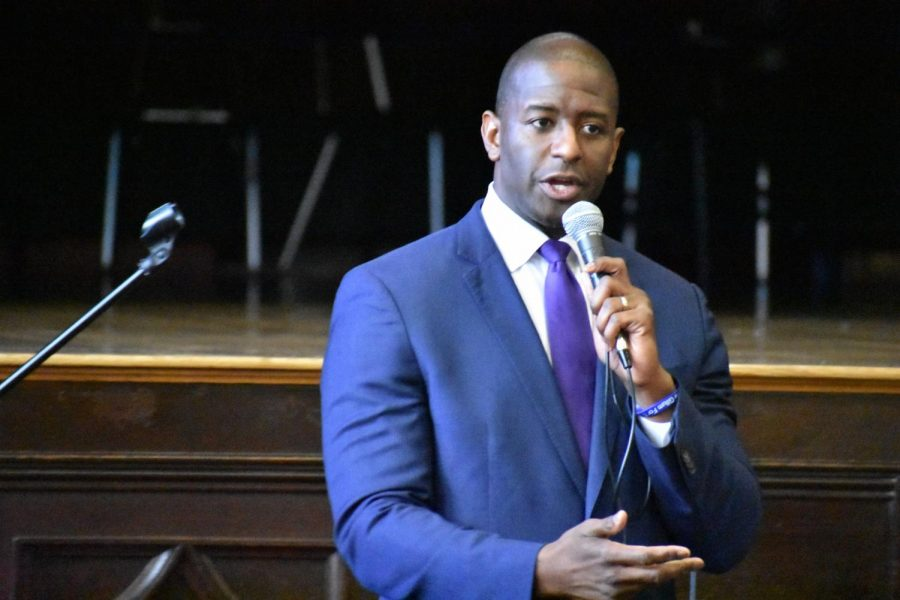 Candidate+Andrew+Gillum+discusses+his+plans+to+increase+funding+for+public+education+at+Democratic+governor%27s+forum+on+Aug.+16+at+Hillsborough+High+School.